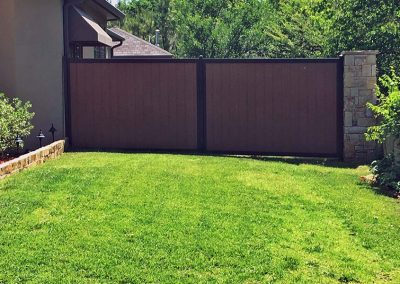FenceTrac Backyard Metal Frame Fence